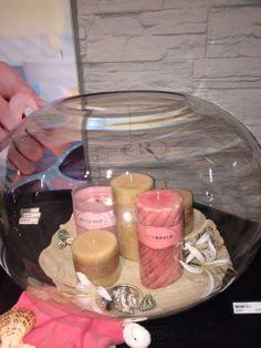 Prachtige grote glazen vaas van Riverdale nu verkrijgbaar bij Meubls. Leuk om kaarsen of bloemen in te doen.