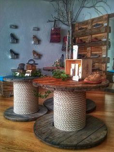 60 DIY Recycled Wood Cable Spool Furniture Ideas & Projects For Porch Decorating. - 60 DIY Recycled Wood Cable Spool Furniture Ideas & Projects For Porch Decorating… 60 DIY Recycled Wood Cable Spool Furniture Ideas & Projects For Porch Decorating…