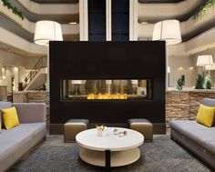 Hilton Fort Collins Hotel, CO - Lobby | CO 80526