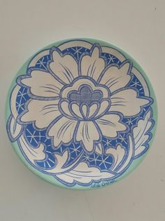 China Painting, Ceramic Painting, Ceramic Art, Pottery Designs, Pottery Art, Sgraffito, Ceramic Plates, Designs To Draw, Folk Art