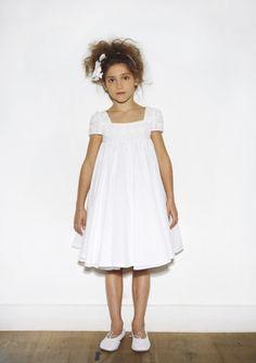 VESTIDOS Y TRAJES DE COMUNION | ♥ BelaSabela ♥ en stylelovely.com