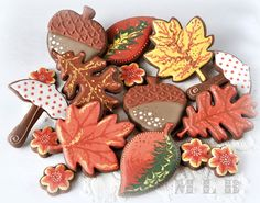 My little bakery: Autumn cookies. I particularly love the leaves.
