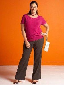 Fotos de moda | Un pantalón para cada tipo de cuerpo  Las mujeres con cuerpo en forma de manzana tienen el abdomen prominente, las caderas muy estrechas y el busto de gran tamaño. Los pantalones ideales para este tipo de cuerpo son aquellos que están realizados en telas gruesas o corte estilo acampanado, pues equilibrará tu figura ampliando la imagen de las piernas desde el área de las rodillas hacia abajo. Evita bajo todo punto de vista comprar pantalones de cintura baja.