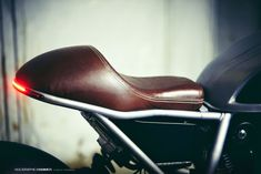 Holographic Hammer's Ducati Scrambler - this is the colour I need my seat recovered in