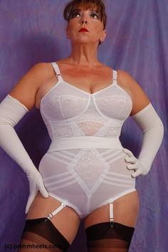 girdle women in pantyhose - Yahoo Image Search Results Lingerie Vintage, Classic Lingerie, Vintage Underwear, Women Lingerie, Nylons, Retro Dress, Shapewear, Bodycon Dress, Tumblr