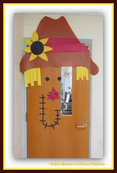 A Collection of OVER Back-to-School Themed Bulletin Boards and Decorated Classroom Doors at RainbowsWithinReach Classroom Art Projects, Classroom Bulletin Boards, Classroom Design, Classroom Themes, Classroom Decor, Door Bulletin Boards, Back To School Bulletin Boards, School Door Decorations, Class Decoration