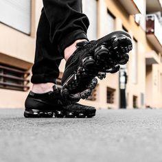 Nike Air Vapormax Flyknit: Triple Black Nike Air Vapormax, Triple Black, Nike Basketball Shoes, Men's Shoes, Nike Shoes, Men Wear, Nike Sneakers, Nike Free, Air Jordans