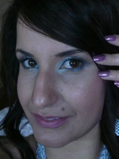 Maravilha: Maquiagem esfumacada com verde esmeralda, olhos castanhos Saiba Mais em http://dicasdemaquiagem.vlog.br/maquiagem-esfumacada-com-verde-esmeralda-olhos-castanhos/