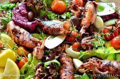 """Calamari - Tintenfische | Salat | Zitrone | Knoblauchbutter"" Calamari, Chicken Wings, Sausage, Food, Lemon, Sausages, Essen, Meals, Octopus"