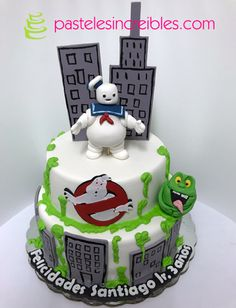 Pastel de Ghostbusters Ghostbusters, Pasteles Halloween, Birthday Cake, Cakes, Desserts, Food, Ghost Hunting, Festivus, Favors
