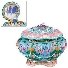 Disney Princess Music Box Reconstructions: d_princesses — LiveJournal Walt Disney, Disney Love, Disney Stuff, Musical Jewelry Box, Music Jewelry, Disney Musik, Disney Music Box, Cinderella Musical, Cinderella Disney