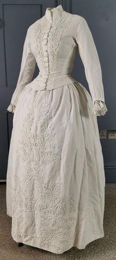 1880s Fashion, Edwardian Fashion, Edwardian Clothing, Vintage Clothing, Women's Clothing, Summer Gowns, Bustle Dress, Beautiful Braids, Funky Fashion