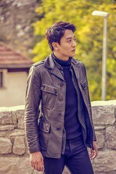 Kim Rae-won sports all-black for fantasy romance Black Knight » Dramabeans Korean drama recaps
