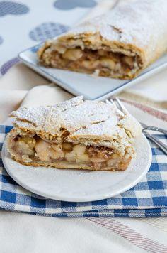 Strudel cu mere (de post) - Din secretele bucătăriei chinezești Strudel, Apple Pie, Deserts, Food And Drink, Desserts, Dessert, Apple Pie Cake, Apple Cobbler, Apple Cakes