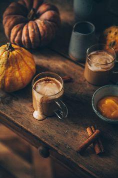 Photo Food, Autumn Cozy, Autumn Aesthetic, Hello Autumn, Autumn Inspiration, Coffee Time, Coffee Set, Fall Halloween, Fall Recipes