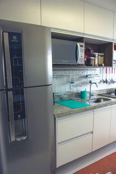 Apartamento da Leitora | Camila StegleA geladeira... mas sem o dispenser...