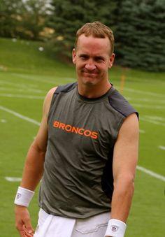 I love me some Peyton Manning!!