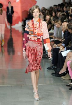 Tory Burch Spring 2012. For some reason I'm drawn to the shoe and bottom half of the dress. It's crazy but I like it.