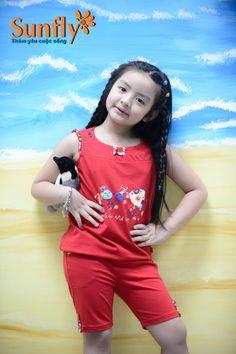 Bộ đồ lửng xinh xắn đáng yêu cho bé gái Giá: 195,000 VNĐ Dành cho bé từ 2-3-4-5 tuổi * Bộ mẹ MH612Màu sắc: Hồng 10h, Vàng thư, Đỏ mận Mọi chi tiết xin liên hệ: 0979 26 16 90 HOTLINE: 043 512 3681 http://sunfly.com.vn/