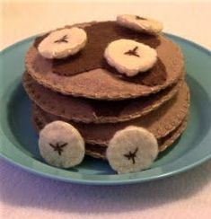 Play Felt Food * Stacked Pancakes with Syrup and Bananas * DIY Pattern Inspiration