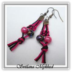 Boucles d'oreilles Noeuds chinois cordon satin Fuchsia \ Noir. supports a crochets mètal bronzè . : Boucles d'oreille par perles-et-couronnes