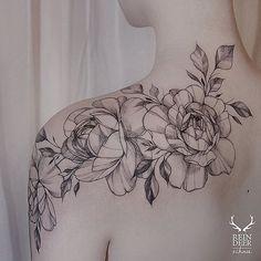 Tatuagem também é presente                              …