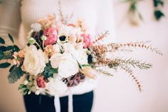 DIY hand-tied bouquet | Just Delightful Events and Abbey Moore Photography | see more on: http://burnettsboards.com/2014/04/diy-hand-tied-bouquet/ #bouquet