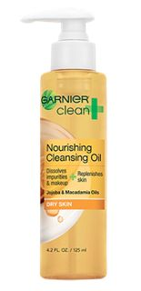 Garnier's Clean + Nourishing Cleansing Oil instantly dissolves impurities and long-wear makeup. Infused with nourishing Jojoba and Macadamia Oil, skin is deeply cleaned, hydrated and feels velvety soft in 1 use. Best Face Wash, Acne Face Wash, Oil For Dry Skin, Shaving Oil, Macadamia Oil, Facial Cleansers, Best Face Products, Skin Products, Beauty