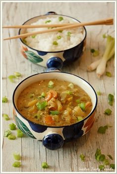 Spicy Pepper Coconut Yellow Thai Curry Sauce.  Sounds yummy.