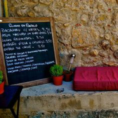 If you're looking for a small, intimate restaurant in #Lisbon, you must try Claras em Castelo. Run by a Portuguese couple, this is where you find truly authentic food!