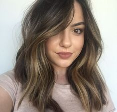 Are you going to balayage hair for the first time and know nothing about this technique? We've gathered everything you need to know about balayage, check! Medium Hair Styles, Short Hair Styles, Hair Color And Cut, Hair Colour, Hair Color For Tan Skin, Hair Highlights, Partial Highlights, Color Highlights, Highlights Around Face