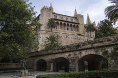 ES_171130 Espanja_0113 Palma de Mallorcan Palacio Real de La Alm Valencia, Spain, Louvre, Building, Travel, Palmas, Palaces, Majorca, Viajes