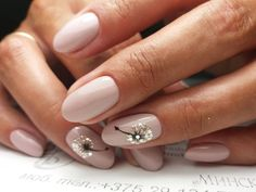 Nail Designs For Spring. Nail styles or nail art is certainly a hassle-free practice - styles or art which can be used to revamp the finger or toe nails. They are utilised mainly to better a piece of clothing or enhance a day to day look. Cute Nails, Pretty Nails, My Nails, Fancy Nails, Solid Color Nails, Nail Colors, Wedding Nail Polish, Wedding Nails, Bride Nails