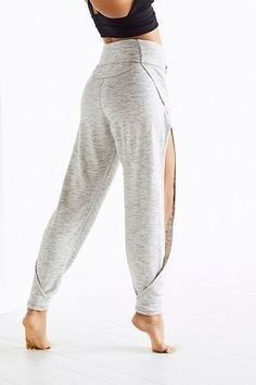 Awesome pants for yoga Slide View Agile Pant Mode Outfits, Sport Outfits, Sport Fashion, Fitness Fashion, Costura Fashion, Cool Style, My Style, Mode Hijab, Fashion Sewing