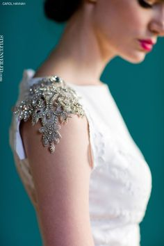Carol Hannah Spring 2013 -- love the sleeve detail - my wedding dress will look like this! SO pretty! Latest Saree Blouse, Latest Sarees, Saree Blouse Designs, Sari Blouse, Blouse Patterns, Latest Blouse Designs, Indian Blouse, Sleeveless Blouse, Sari Design