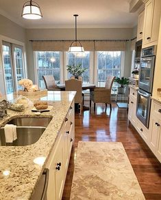 174 beautiful white kitchen cabinet design ideas page 41 Cozy Kitchen, Kitchen Redo, Home Decor Kitchen, New Kitchen, Home Kitchens, Kitchen Remodel, Kitchen Ideas, White Kitchen Cabinets, Kitchen Cabinet Design
