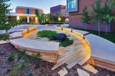 LandscapeOnline.com :: Article : Redefining the Image of the Campus Landscape