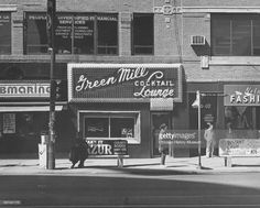 Exterior of the Green Mill Cocktail Lounge at 4802 North Broadway, Chicago, Illinois, April 19, 1986.
