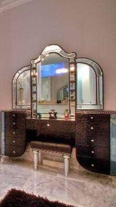Luxury Art Deco style bedroom dressing table, so beautiful!⭐️