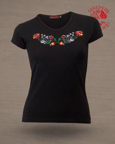 Szervető-kalocsai, hímzett, O nyakú, női póló - fekete sor, Szervető Áruház