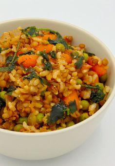 Lentejas con arroz y guisantes al estilo marroquí Lentil Recipes, Veggie Recipes, Vegetarian Recipes, Healthy Recipes, Drink Recipes, Salada Light, Kitchen Recipes, Cooking Recipes, I Love Food