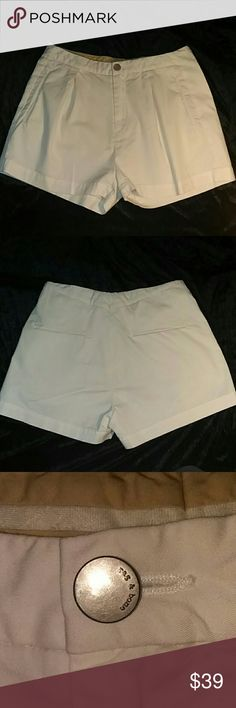Rag & Bone New York Creamy Off White Dressy Shorts Quality and Classy  Rag & Bone New York Inseam  Pair with pantyhose and ankle boots for that adorable fall look❣  Size 4  Back Pockets still stiched together!  Please make sure to check out my other listings to bundle and save more💰😊 rag & bone Shorts