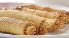 Татарские рогалики бармак – очень вкусное, хрустящее блюдо! «Бармак» переводится с татарского как «пальцы», вот потому-то, наверное, и названы так.