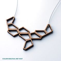 Collier by Inge Rens Ceramic Jewelry, Wooden Jewelry, Jewelry Art, Handmade Jewelry, Jewelry Design, 3d Laser, Laser Cut Wood, Laser Cutting, Laser Cutter Ideas