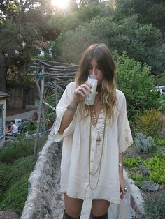 What to wear to a hippy garden party.  Source: little blue deer