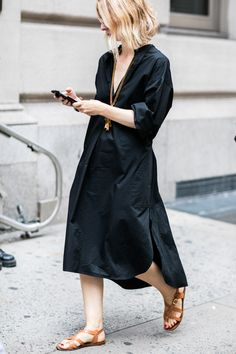 Street style Fashion Week de New York robe longue noire