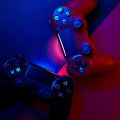Control Ps4, Consoles, Playstation, Hd Dark Wallpapers, Photo Games, Ps4 Controller, Cover Photos, Game Room, Profile Pictures