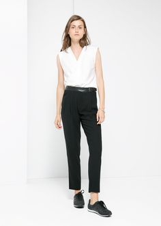 Flowy trousers with leather waist, buckle fastening and side belt loop. Sophisticated Style, Elegant, Manga, Trousers Women, My Wardrobe, High Fashion, Summer Outfits, Normcore, Leather