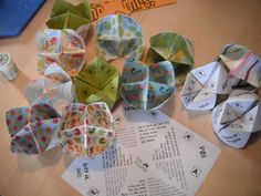 Fortune Teller or Cootie Catcher or Conversation Starter  Tutorial and Printable  Fun Facts Resources: http://www.gaillovely.com/resources.htm  SkyDrive DL here: https://skydrive.live.com/?cid=59a153e2bd91f240&id=59A153E2BD91F240%21107