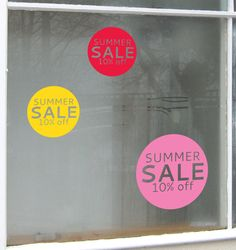 Circle Sale stickers that come in bright summer colours and in four different sizes so an experimental exciting window display can be easily made! Price Signage, Sale Signage, Retail Windows, Store Windows, Window Art, Window Ideas, Christmas Window Display, Promotional Design, For Sale Sign